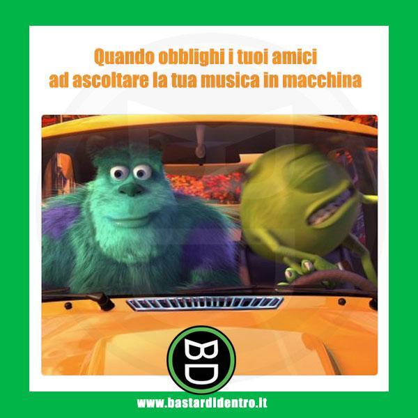 Ascoltare Musica In Macchina Immagini E Vignette Divertenti